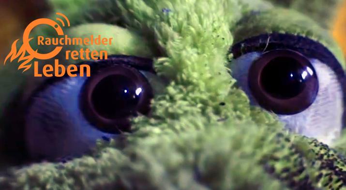 von-Drachen-und-Rauchmeldern-wildfang-Video-werbefilm-produktion-berlinerfeuerwehr-werbespot-helenaekre